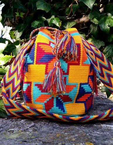 Bolso Wayuu Artesanal, Auténtico y Original (sólo 1 igual) con motivos tribales naranja, naranja claro, rojo, azul oscuro y cian A