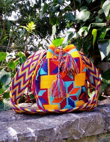 Bolso Wayuu Artesanal, Auténtico y Original (sólo 1 igual) con motivos tribales naranja, naranja claro, rojo, azul oscuro y cian B