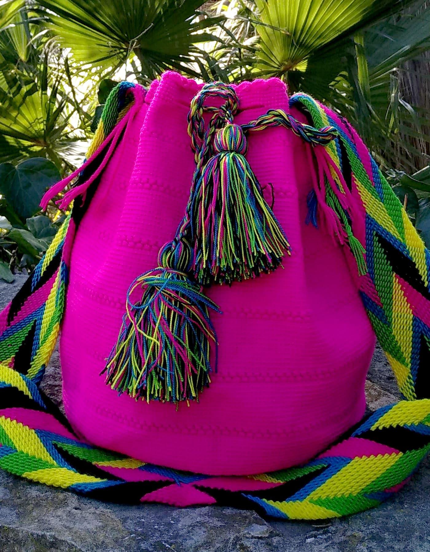 Bolso Wayuu Artesanal, Auténtico y Original (sólo 1 igual) liso en rosa, amarillo, verde, azul y negro A