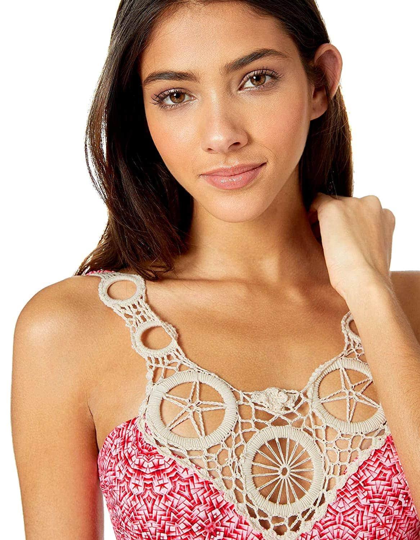 Body Bañador Rosa con escote bordado en croché y cierre dorado en espalda al aire | Santa Marta