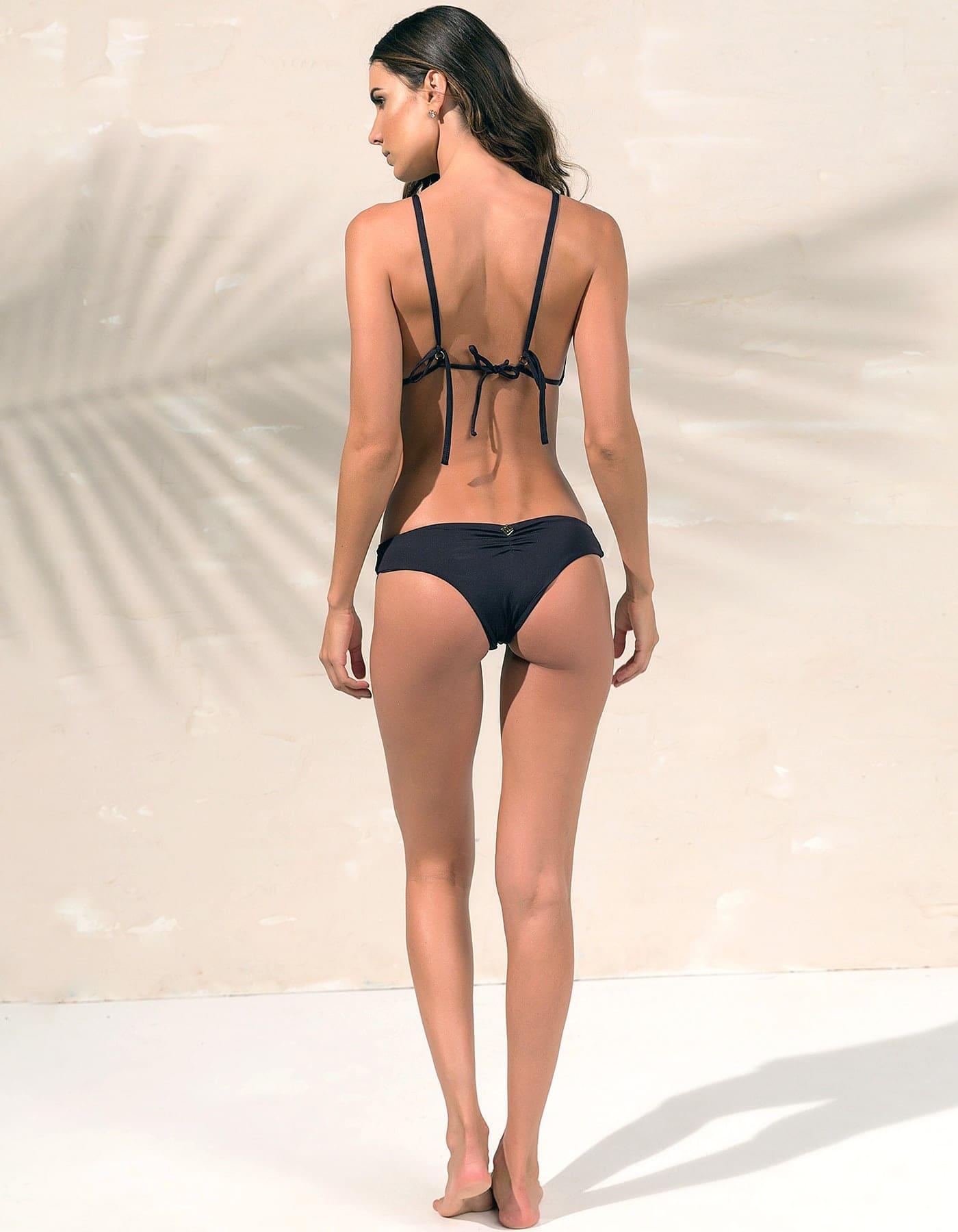 Bikini negro triángulo, tul y detalles dorados en Oro + Braguita Bikini negro con detalles dorados en Oro   Tube D