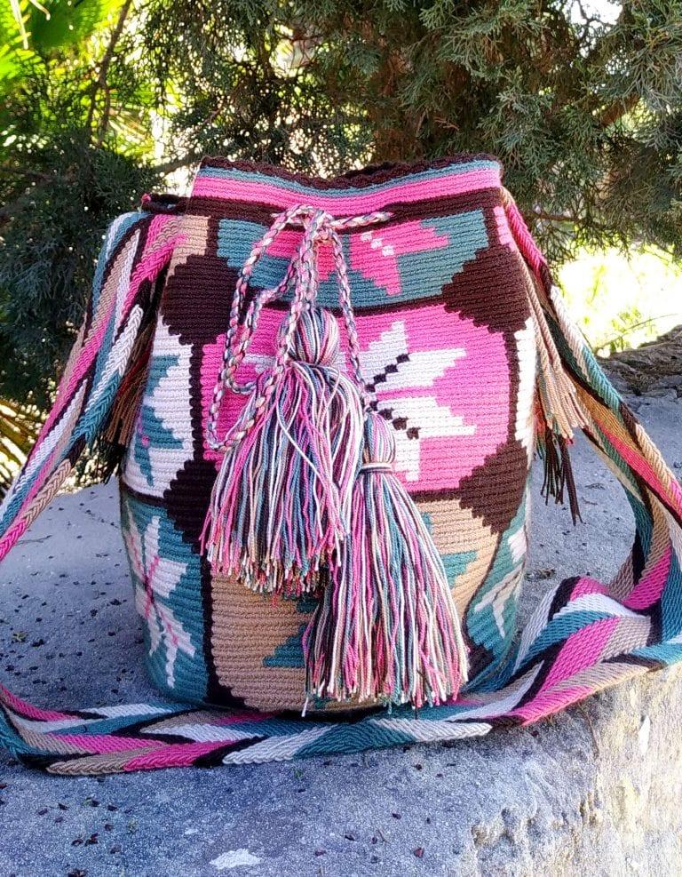 Bolso Wayuu Artesanal, Auténtico y Original (sólo 1 igual) con motivos tribales, azul, azul verdoso, rosa, beige o beis, marrón oscuro y blanco A