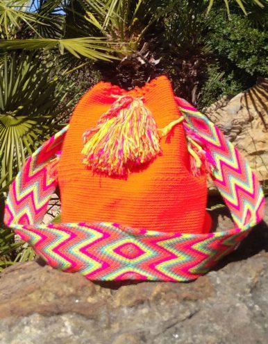 Bolso Wayuu Artesanal, Auténtico y Original (sólo 1 igual) liso en naranja, amarillo, rosa, morado, azul y cian A