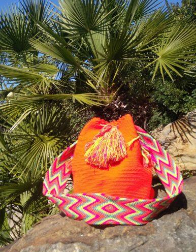 Bolso Wayuu Artesanal, Auténtico y Original (sólo 1 igual) liso en naranja, amarillo, rosa, morado, azul y cian B