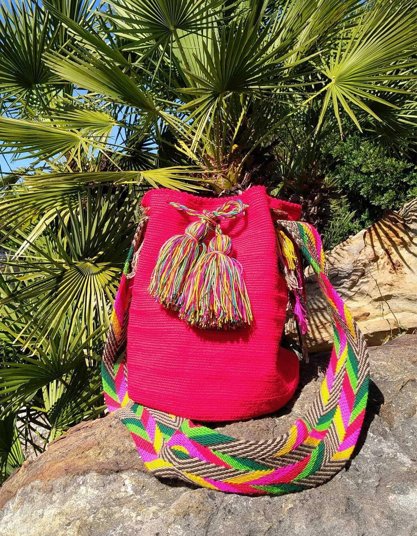 Bolso Wayuu Artesanal, Auténtico y Original (sólo 1 igual) liso en rosa, amarillo, verde, verde oscuro, blanco y negro B