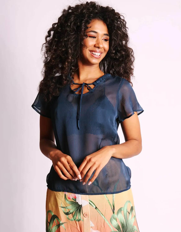 Blusa transparente de verano azul o rosa y manga corta Malagueta-72376MAL-D
