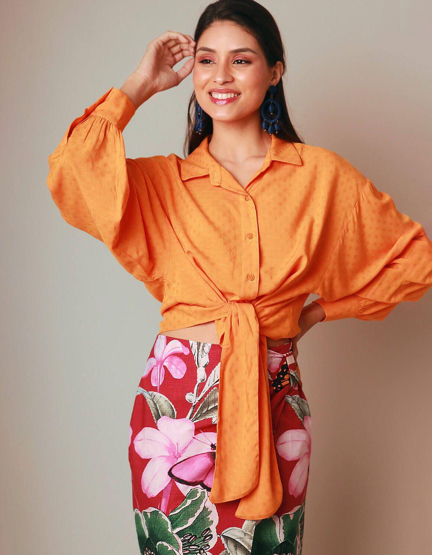 Blusa verano naranja manga larga y botones con anudado en cintura | Malagueta