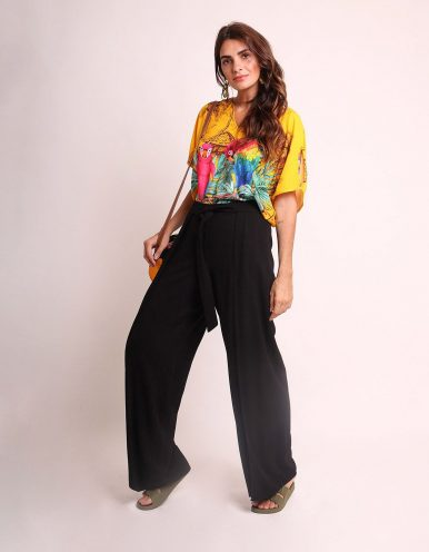 Blusa verano negra o amarilla manga corta y estampa tropical Malagueta-72425MAL-A