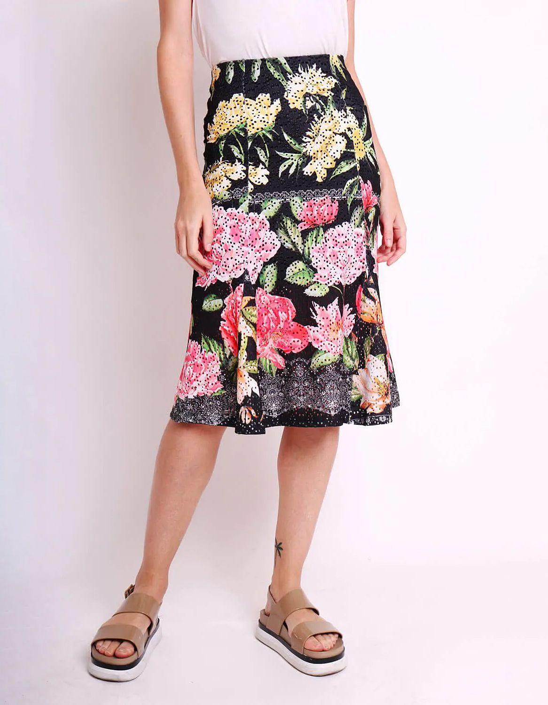 Falda midi blanca o negra tipo laise con estampa floral y forro interior Malagueta-72444MAL-A