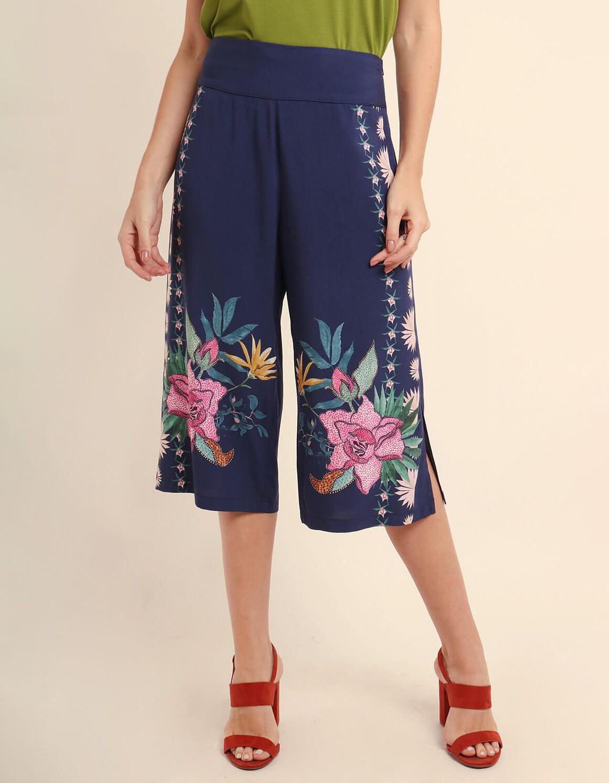 Pantalón Capri verano azul o rojo estampa floral y cremallera lateral ajustable Malagueta-72367MAL-C