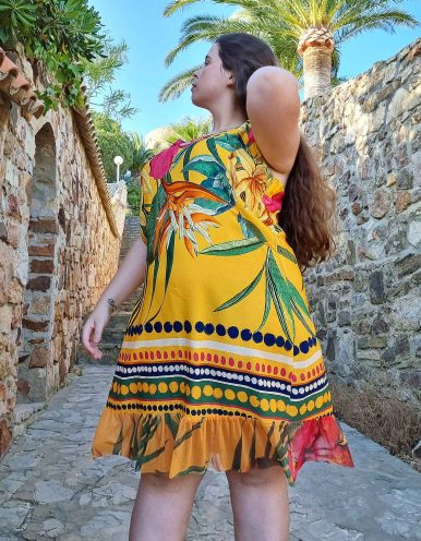 Vestido verano corto talla grande amarillo o rosa, tirantes y estampa tropical con bajos tul Malagueta-A