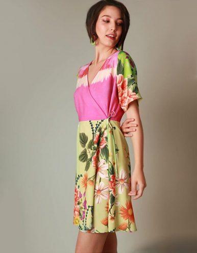 Vestido verano corto verde y rosa estampado tipo envelope Malagueta-71968MAL